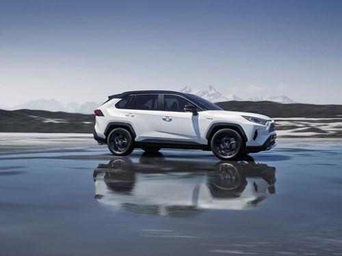 Toyota RAV4 thêm bản Hybrid có sức mạnh 219 mã lực - Hình 2