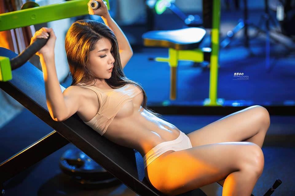 Người đẹp phòng gym gây choáng với thân hình săn chắc gợi cảm - Hình 5