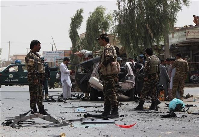 Đánh bom liên tiếp khắp Afghanistan, hàng chục người thương vong - Hình 1