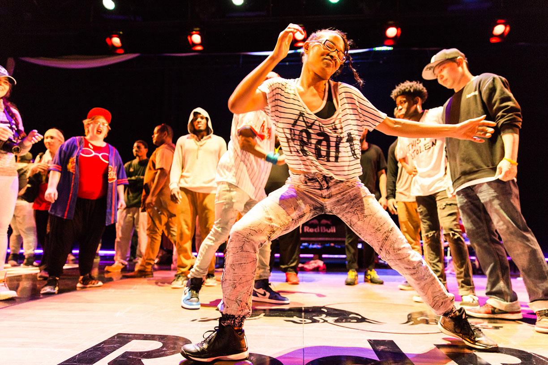 50% các video clip hip hop của Mỹ lồng quảng cáo thuốc lá trá hình - Hình 1