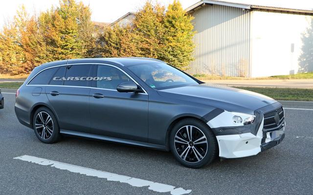 Mercedes-Benz E-Class 2020 bất ngờ lộ diện với bộ mặt hoàn toàn mới - Hình 4