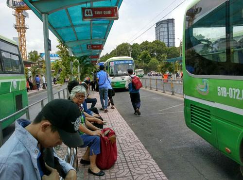 Thận trọng với tuyến buýt nhanh 143 triệu USD - Hình 1