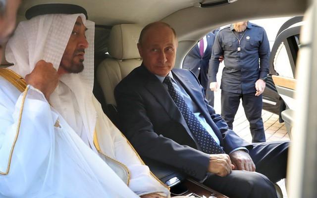 Tổng thống Putin đích thân cầm lái Rolls-Royce của nước Nga chở khách quý thăm thú đường đua F1 - Hình 5