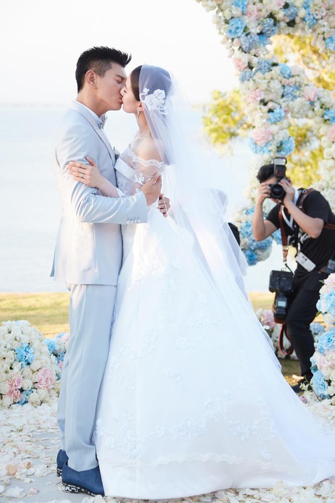 Không phải chiêu trò để PR, những cặp đôi Hoa ngữ này đã nên duyên nhờ những bộ phim đóng cùng - Hình 18