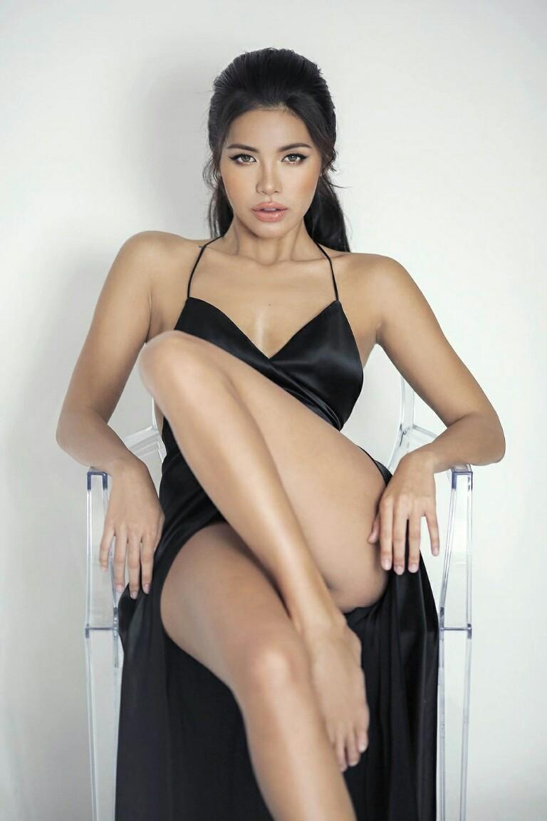Trước thềm công bố đại diện Miss Supranational, Minh Tú bị đào mộ những khoảnh khắc show hàng quá trớn - Hình 4