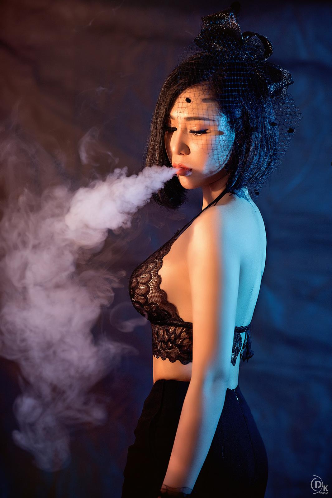Bộ ảnh làn khói mờ ảo của người đẹp Vân Anh Mạch - Người đẹp