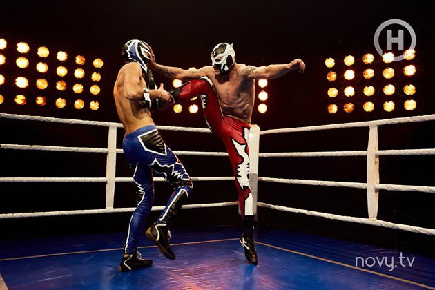 Cùng chụp hình đấu vật, Next Top Ukraine lại gây cười hơn phiên bản Mông Cổ vì một lí do! - Hình 7