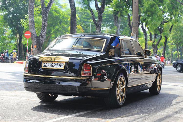 Soi Rolls-Royce Phantom rồng vàng, 35 tỷ tại Hải Phòng - Hình 2