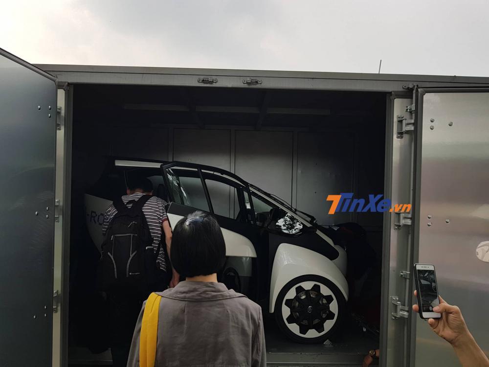 Khui công hàng nóng Toyota i-ROAD trước thềm Vietnam Motor Show 2018 - Hình 1