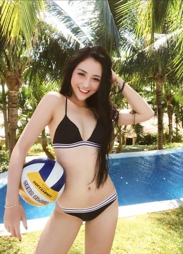 9X nổi tiếng Sài thành: Xinh đẹp, gợi cảm, hát hay và kiếm tiền cực đỉnh - Hình 4