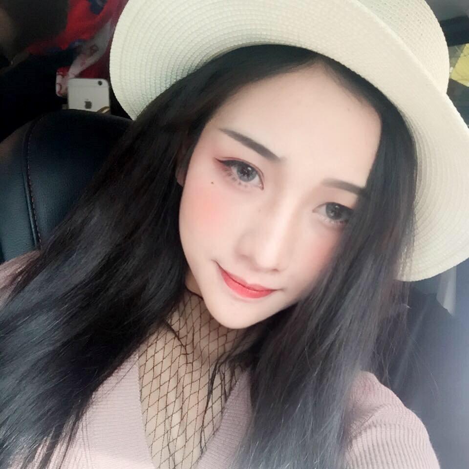 9X nổi tiếng Sài thành: Xinh đẹp, gợi cảm, hát hay và kiếm tiền cực đỉnh - Hình 8