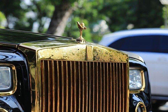 Rolls-Royce Phantom rồng vàng 35 tỷ xuất hiện tại Hải Phòng - Hình 5