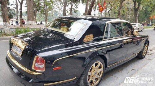 Rolls-Royce Phantom rồng vàng 35 tỷ xuất hiện tại Hải Phòng - Hình 4