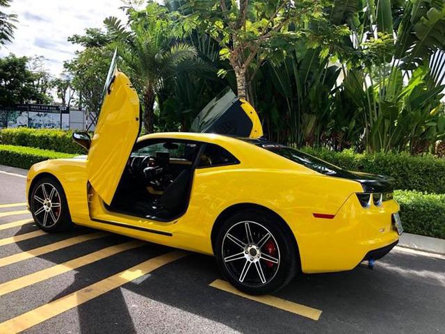 Chevrolet Camaro độ cánh cắt kéo hệt siêu xe Lamborghini gây sốt trên mạng xã hội - Hình 4