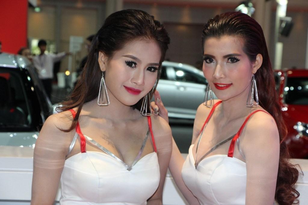 Ngắm dàn mỹ nữ khoe sắc quyến rũ tại Bangkok Motor Show - Hình 2
