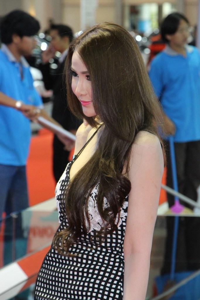 Ngắm dàn mỹ nữ khoe sắc quyến rũ tại Bangkok Motor Show - Hình 11