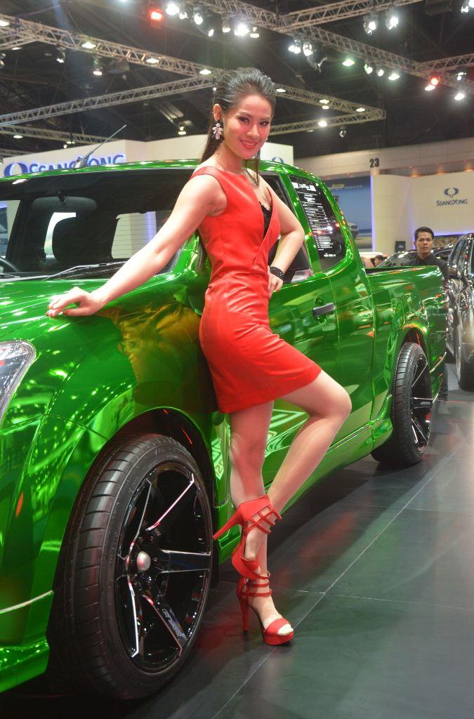 Ngắm dàn mỹ nữ khoe sắc quyến rũ tại Bangkok Motor Show - Hình 3