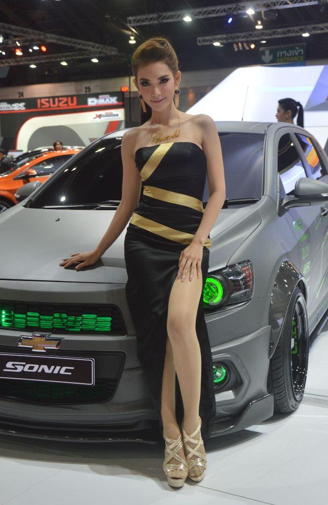 Ngắm dàn mỹ nữ khoe sắc quyến rũ tại Bangkok Motor Show - Hình 8