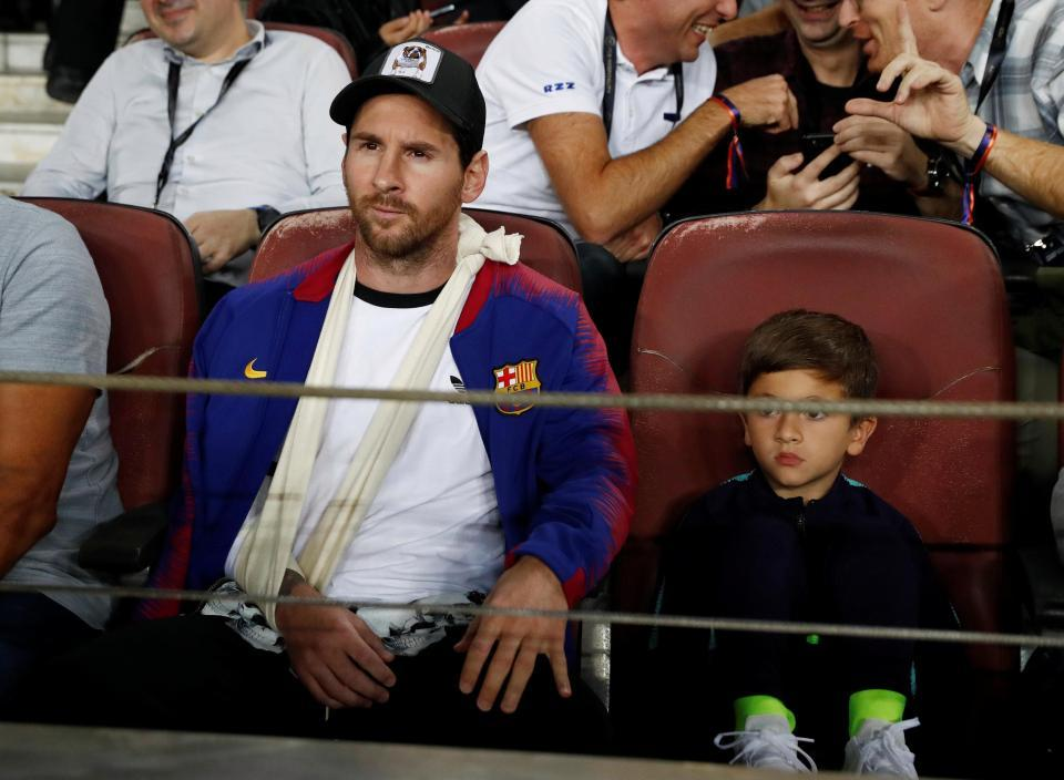 Messi cười tươi cùng con trai xem Barca đánh bại Inter - Hình 5
