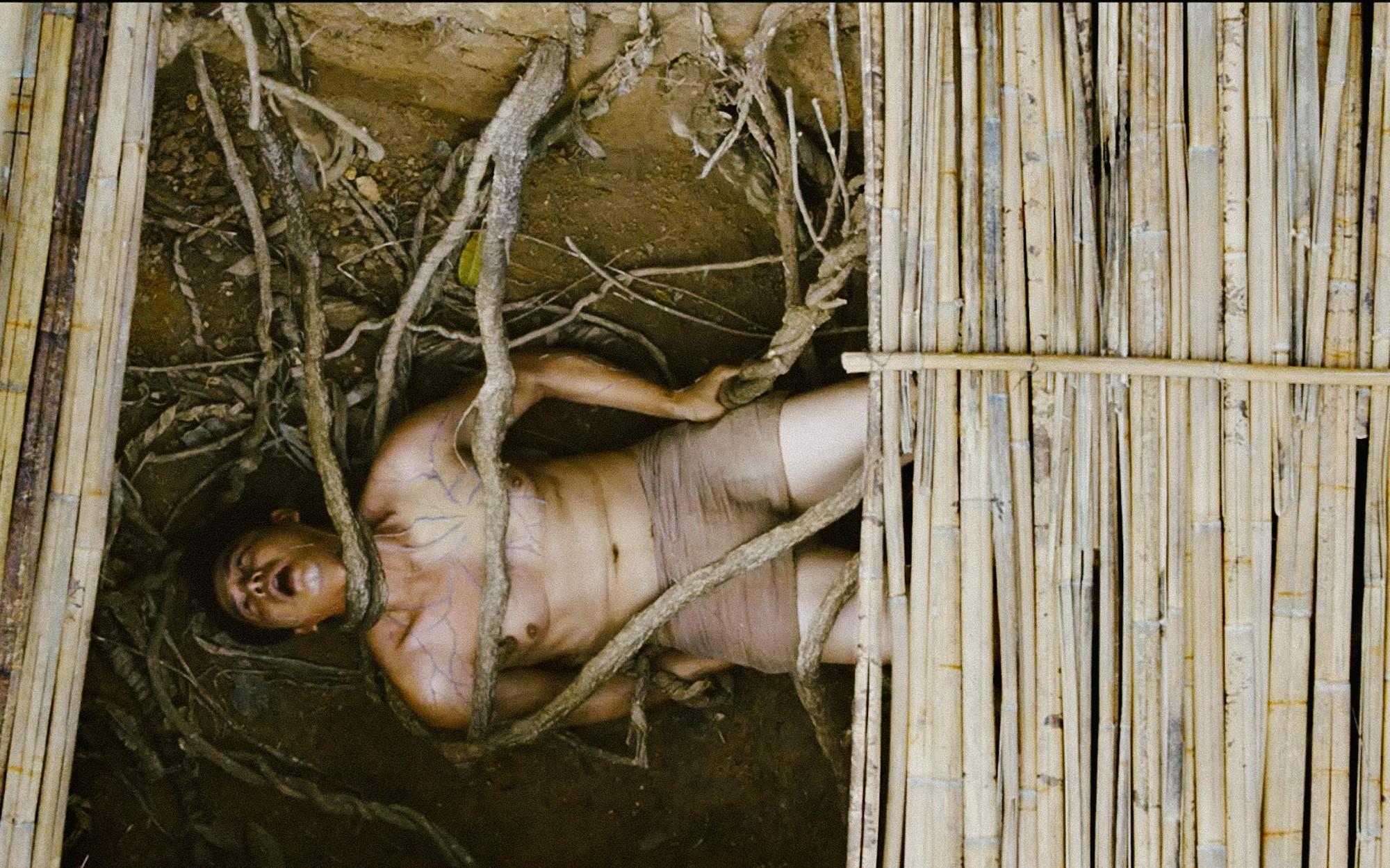 Trước Người Bất Tử, 3 phim Việt về bùa ngải này từng khiến khán giả nổi da gà! - Hình 2