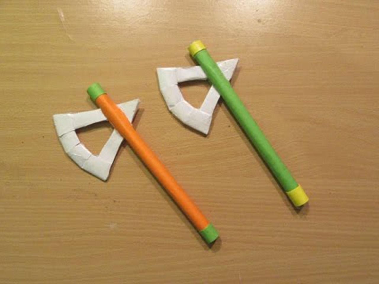 Как сделать топор из бумаги в картинках