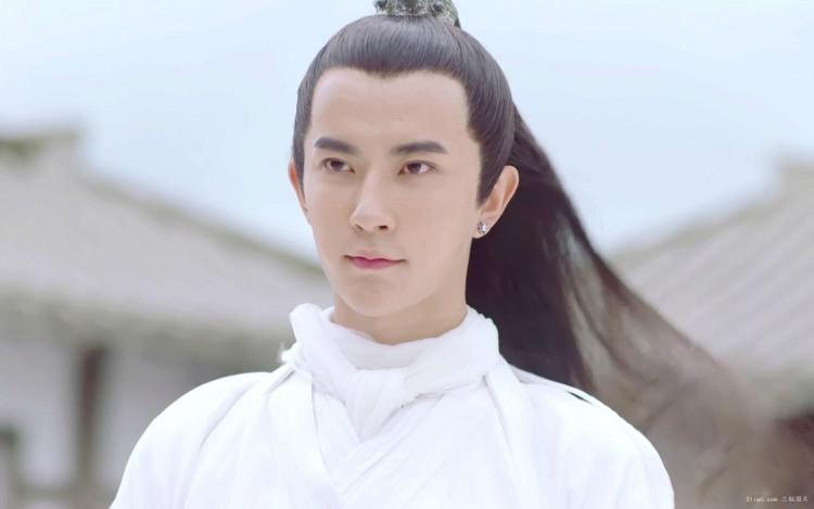 Nếu ở hiện đại thiếu gia Trình Thiên Ân đầy mưu toan thì Vu Mông Lung của cổ đại lại là một soái ca chính hiệu - Hình 2