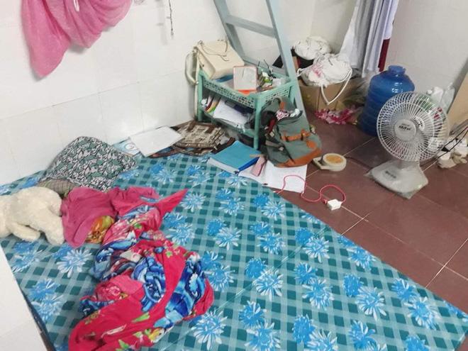 Sốc với bạn gái cùng phòng ở bẩn kinh hoàng, rác vứt bừa bãi từ phòng ở đến tận nhà vệ sinh, cô nàng đăng đàn xin cách trị - Hình 2