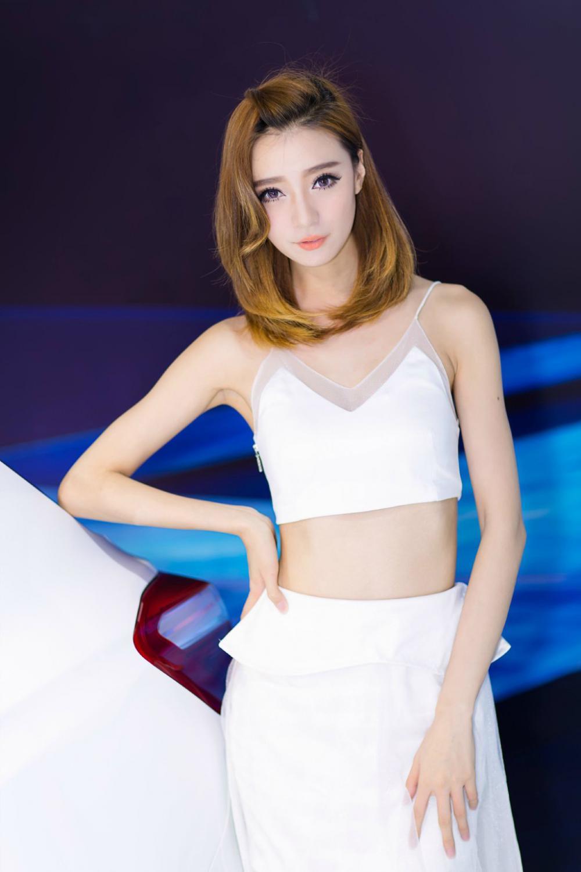 Người đẹp gốc Hoa khoe vẻ đẹp thanh tú, dễ thương như thiên sứ ở triển lãm - Hình 6