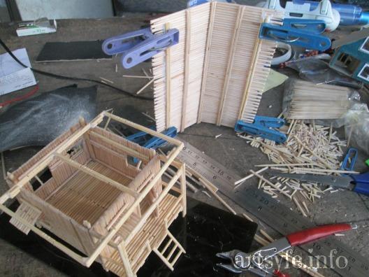 Cách làm ngôi nhà sàn xinh xắn bằng tăm tre - Hình 4