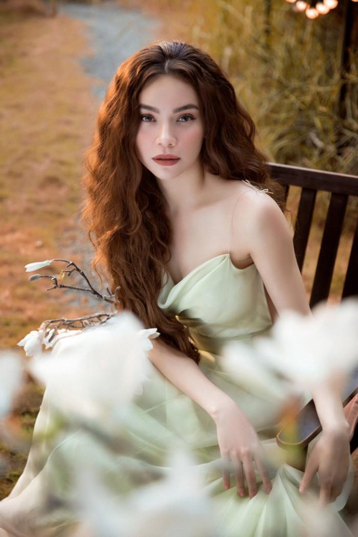 Hồ Ngọc Hà mong manh, quyến rũ đốn tim khán giả trong bộ ảnh ra mắt ca khúc ballad mới - Hình 2