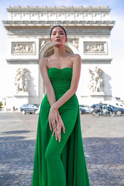 Ngắm bộ ảnh đẹp lung linh của Á hậu Hoàng Thùy tại Pháp - Hình 7
