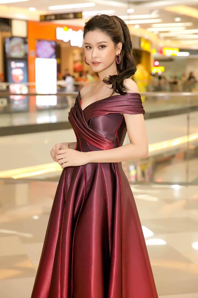 Trương Quỳnh Anh xinh đẹp, gợi cảm hút mắt người xem - Hình 7