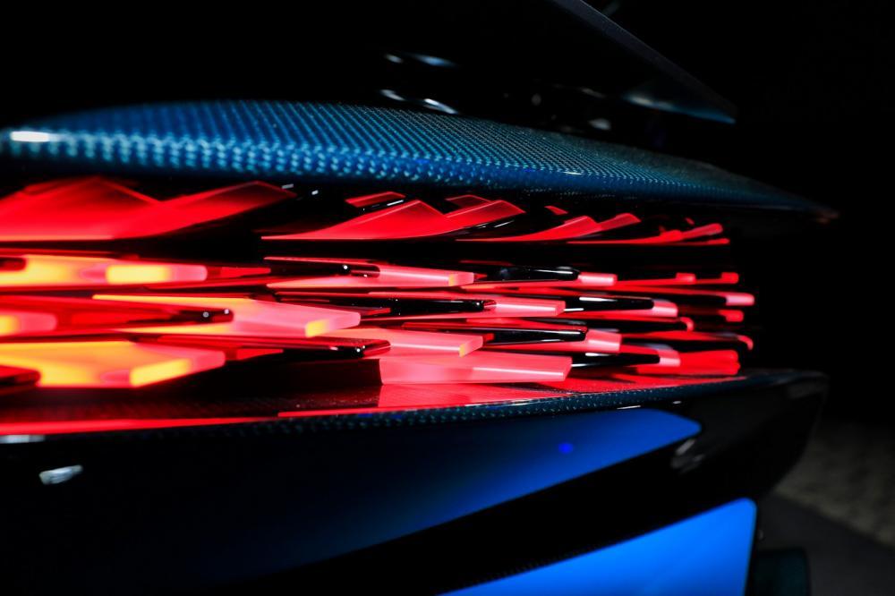 Vẻ đẹp của siêu xe đắt nhất tại triển lãm ô tô Paris 2018 - Hình 14