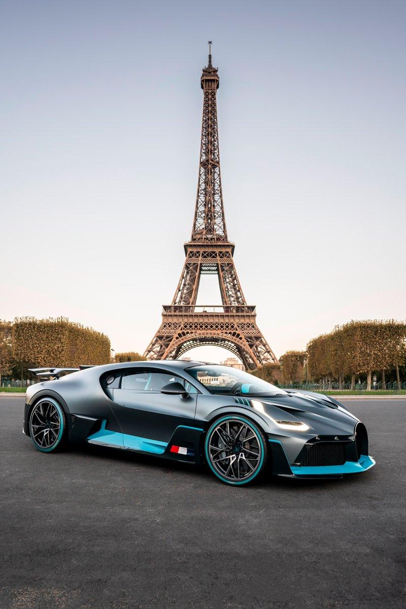 Vẻ đẹp của siêu xe đắt nhất tại triển lãm ô tô Paris 2018 - Hình 1