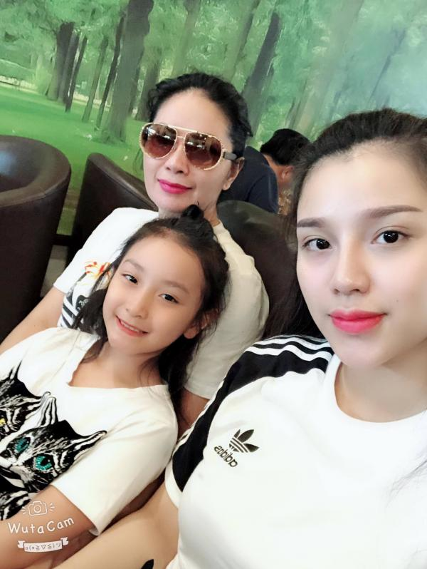 Cô chủ khách sạn công khai tình cảm với Bùi Tiến Dũng U23 Việt Nam - Hình 3