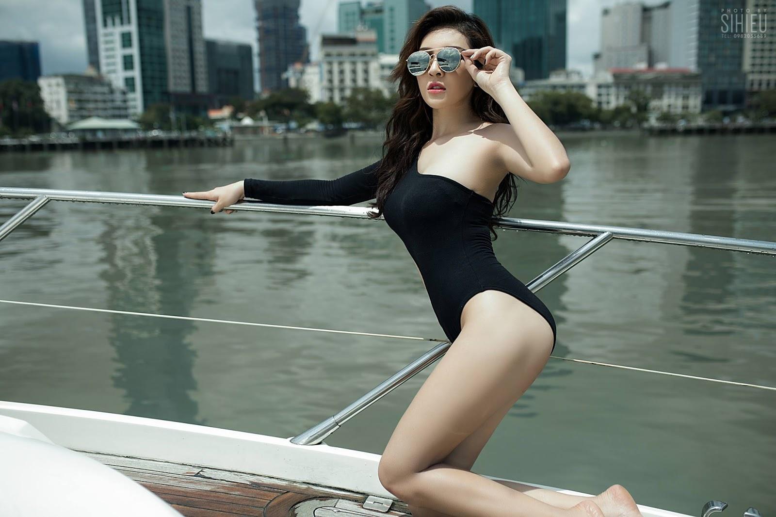 Cô nàng Thiên Hương khoe dáng trên du thuyền - Hình 11