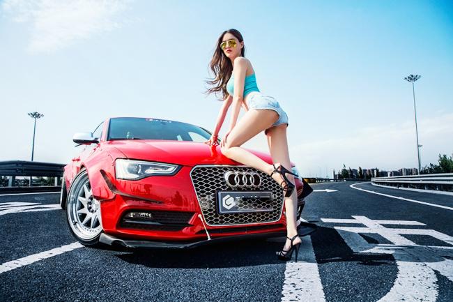 Hotgirl khoe 3 vòng quyến rũ bên xe Audi A5 - Hình 2