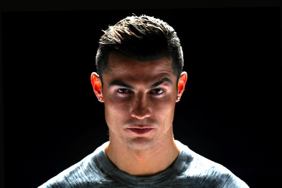 C. Ronaldo: Ngôi sao siêu hot nhưng cuộc sống đầy bí ẩn - Hình 10