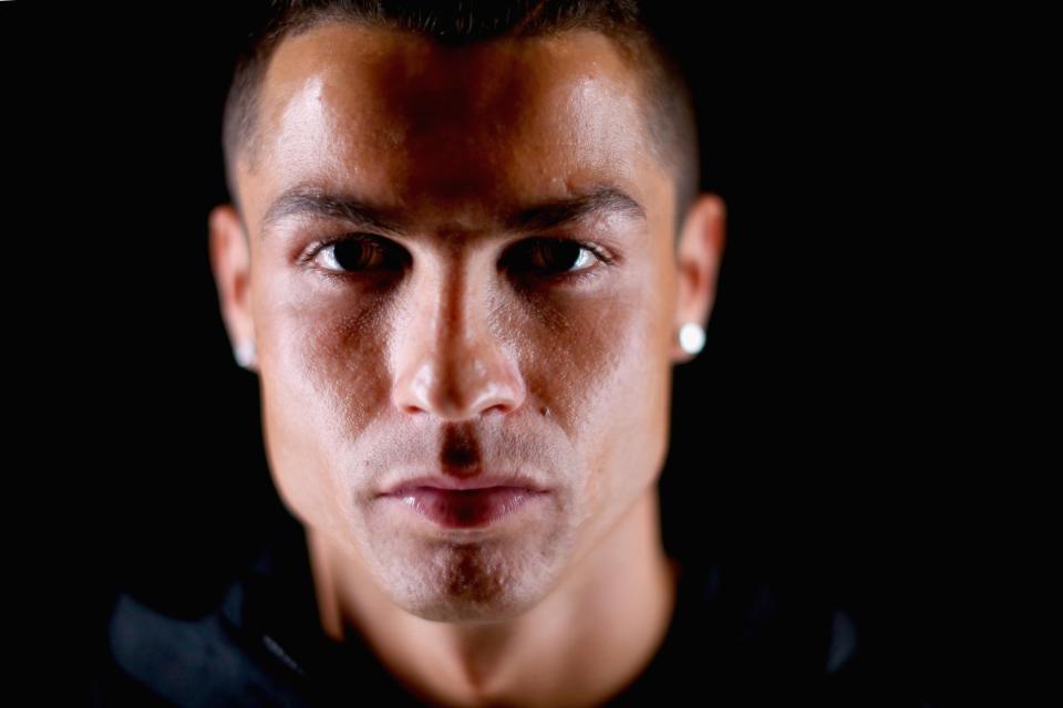 C. Ronaldo: Ngôi sao siêu hot nhưng cuộc sống đầy bí ẩn - Hình 3