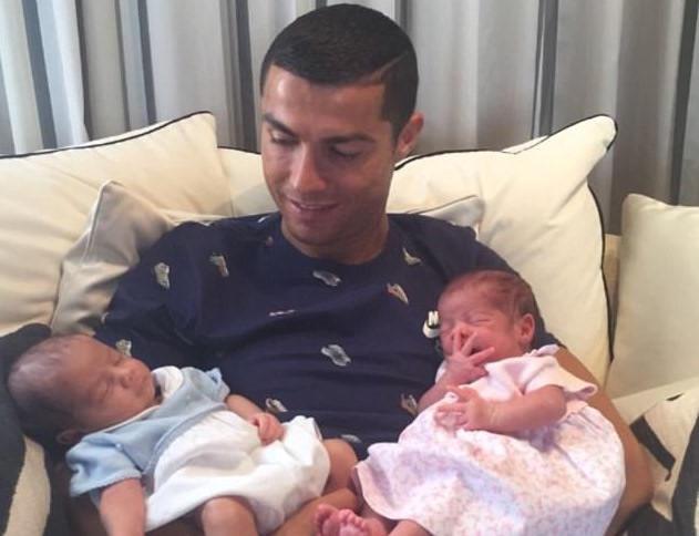 C. Ronaldo: Ngôi sao siêu hot nhưng cuộc sống đầy bí ẩn - Hình 6