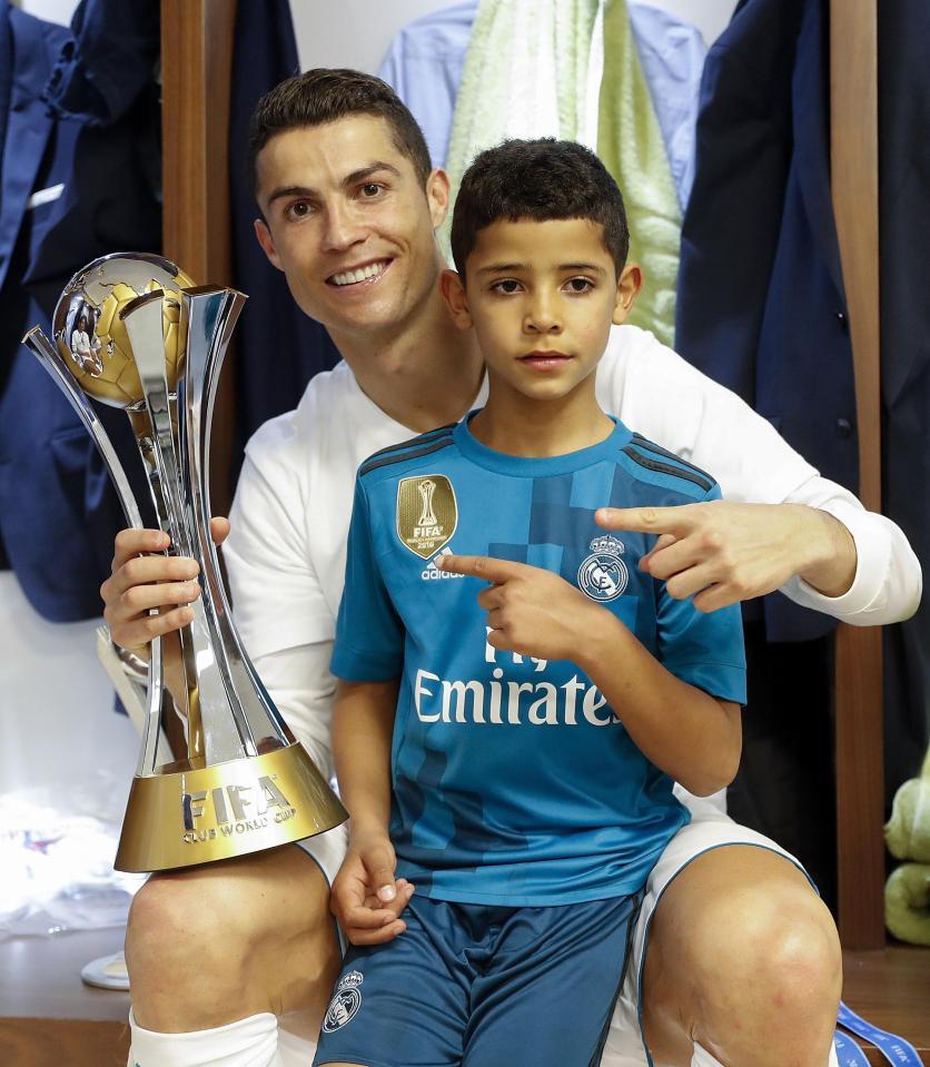 C. Ronaldo: Ngôi sao siêu hot nhưng cuộc sống đầy bí ẩn - Hình 5