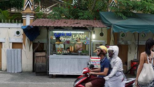 Cuộc săn những hàng bánh mì ngon nhất Việt Nam của khách Tây - Hình 3