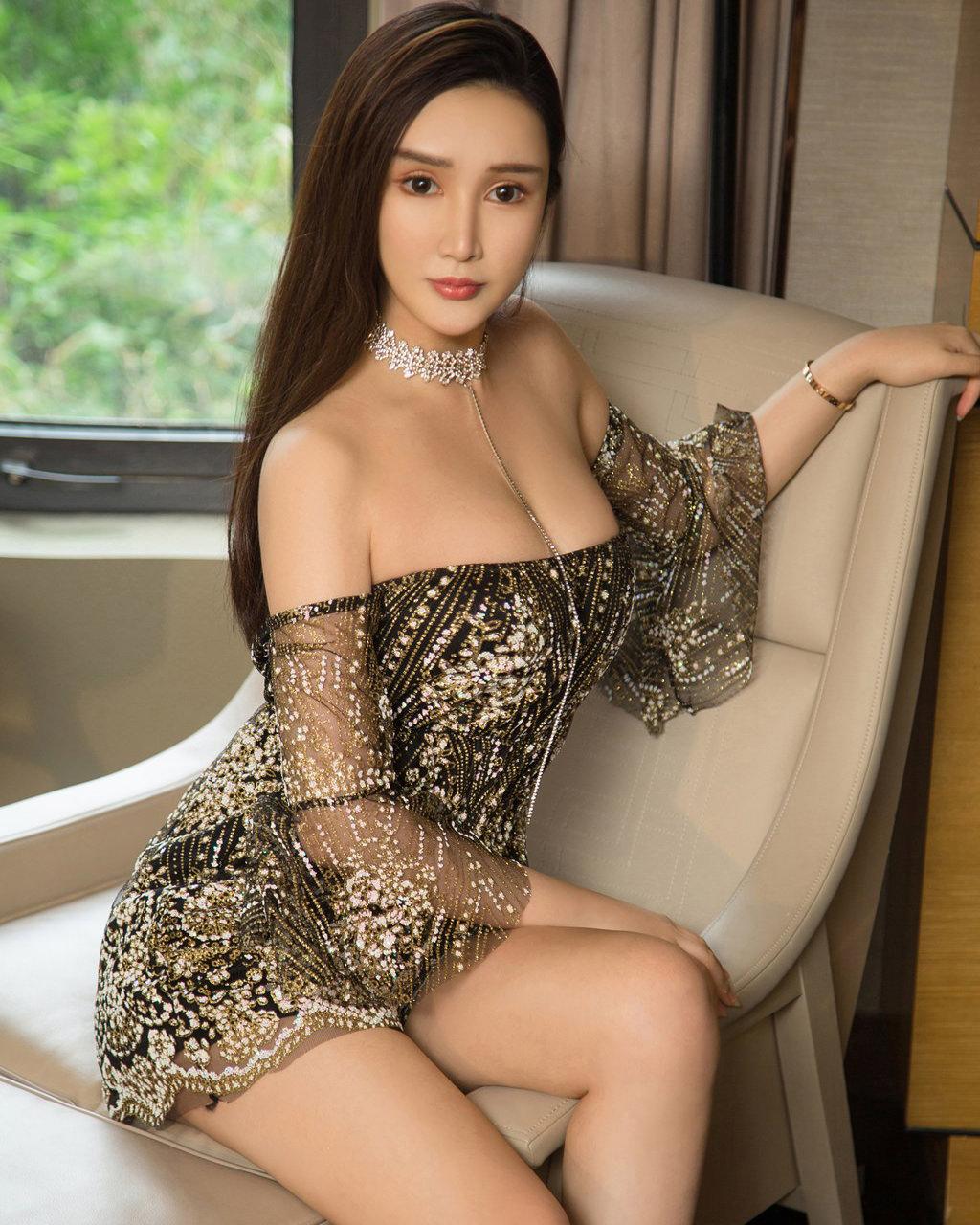 Người mẫu Jin Lu khoe đường cong tinh tế với phong thái sang trọng - Hình 1