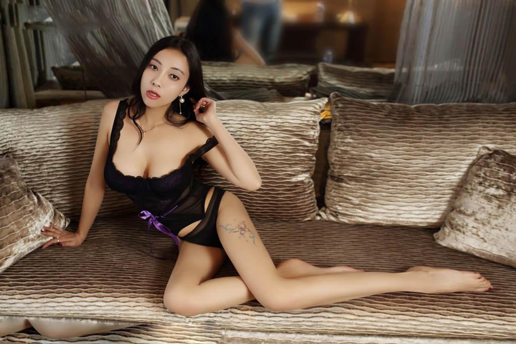Người mẫu Victoria gợi cảm, khoe đường cong cuốn hút - Hình 7