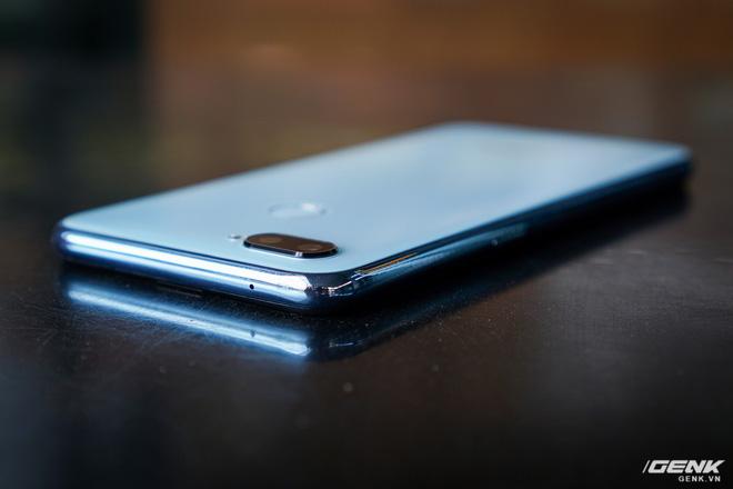 Ảnh thực tế Realme 2 Pro tại Việt Nam: thiết kế giống Oppo F9, chạy Snapdragon 660, RAM 8 GB nhưng giá dưới 7 triệu - Hình 7