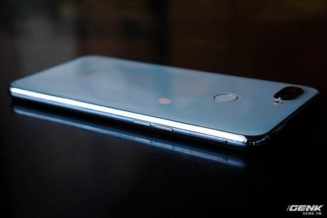 Ảnh thực tế Realme 2 Pro tại Việt Nam: thiết kế giống Oppo F9, chạy Snapdragon 660, RAM 8 GB nhưng giá dưới 7 triệu - Hình 9