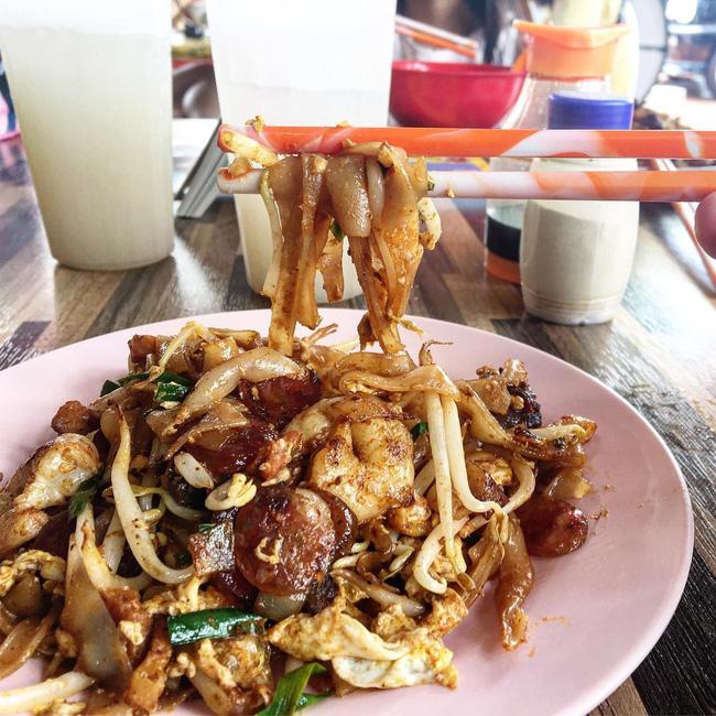 Char Kway Teow - món hủ tiếu xào đến cái khói cũng cay nhưng không chê vào đâu được của Malaysia - Hình 8