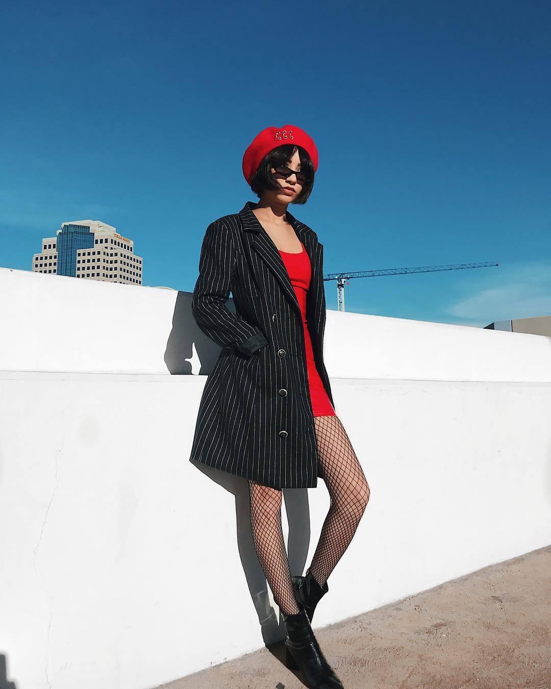 Đỏ và đen - cặp bài trùng đầy quyến rũ trong thời trang - Hình 8