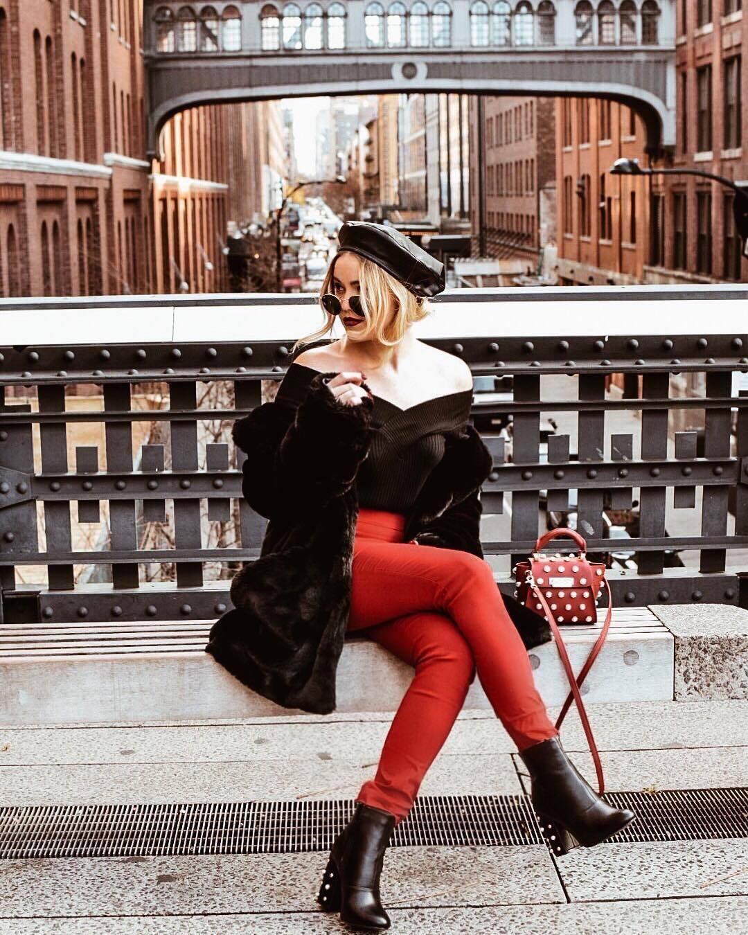 Đỏ và đen - cặp bài trùng đầy quyến rũ trong thời trang - Hình 3