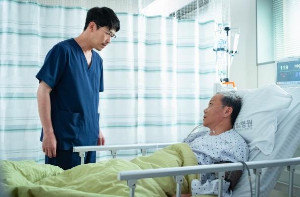 Go Soo trở lại với phim y khoa Heart Surgeons: Kịch tính và đẫm máu đến từng phút! - Hình 4
